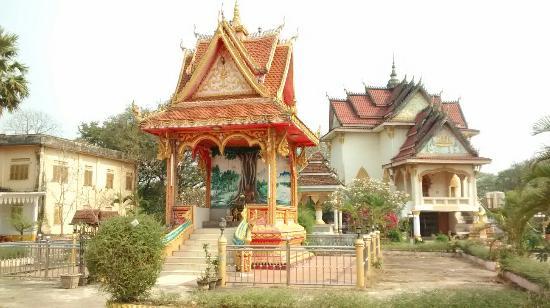 Паксе, Лаос: Wat Pha Bat