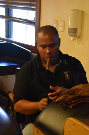 Cigar Country Tours: photo0.jpg