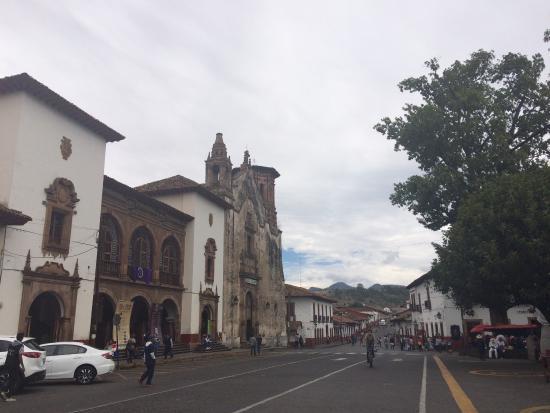Plaza Gertrudis Bocanegra: photo0.jpg