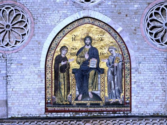 Spoleto, Italy: Mosaico del 1207 con Gesù tra Maria e Giovanni evangelista