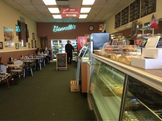 Glen Rock, NJ: Giannella's Italian Bakery and Delicatessen