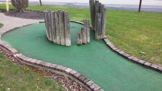 Four Seasons Golf & Fitness Center