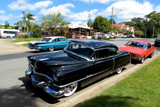 Classic cars come to Kin Kin