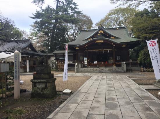 布多天神社, 本殿前