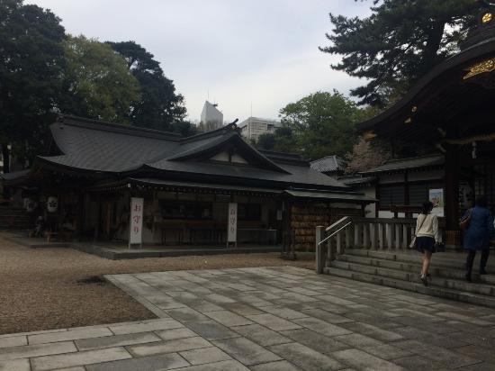 布多天神社, 本殿横の社殿