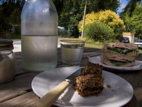 Pokeno, New Zealand: Light lunch, sandwich and dessert