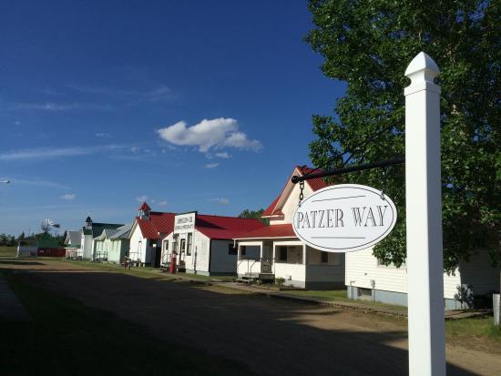 Hanna, Canada: Main Street, Patzer Way