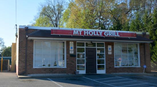 Mount Holly, Kuzey Carolina: Small but packed with good food