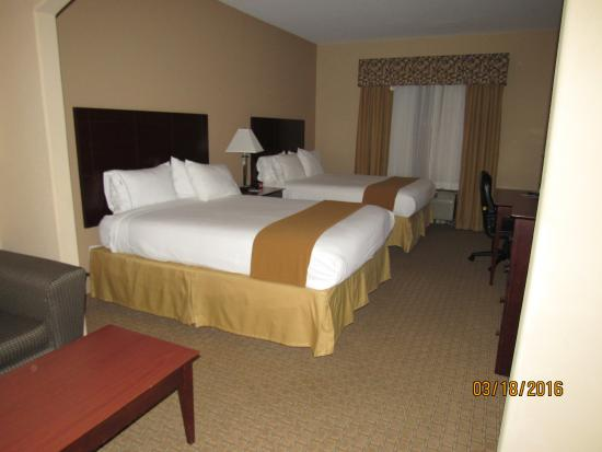 Holiday Inn Express Hotel & Suites Guymon: Beds