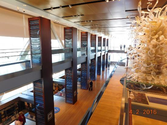 William J. Clinton Presidential Library: Inside the museum
