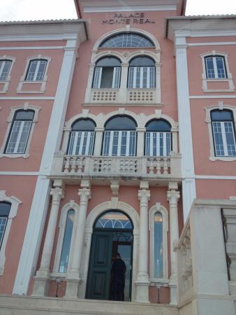 Palace Hotel Monte Real: Fachada principal
