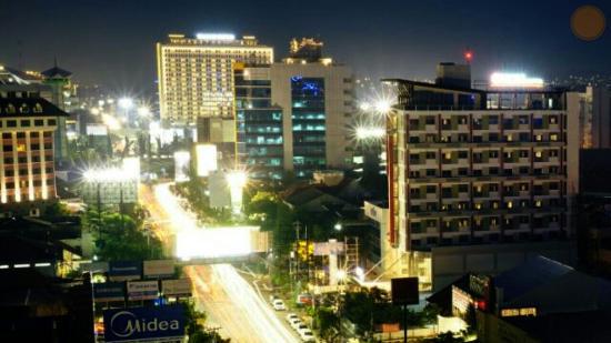 night view of hom semarang picture of hom hotel simpang lima by rh tripadvisor co za
