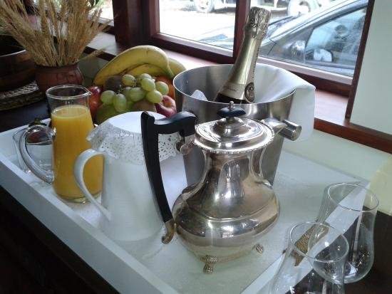 Gunyah Country Lodge: Special birthday breakfast - going the extra mile!