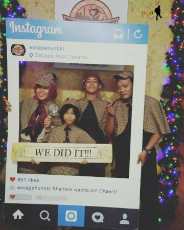 yeay we did it picture of the escape hunt experience jakarta rh tripadvisor ie