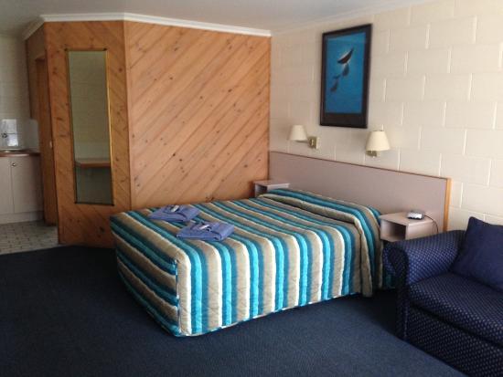 Cunningham Shore Motel: Deluxe Suite