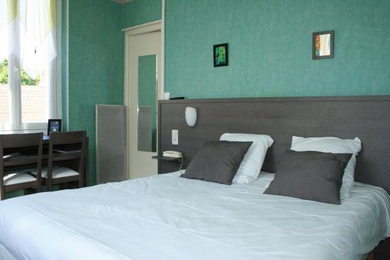 Hotel Restaurant Galland : Chambre