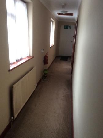 Nags Head Hotel: Hallway