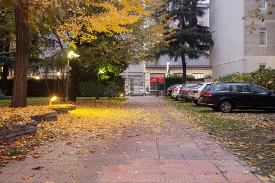Residence Biancacroce: Parcheggio