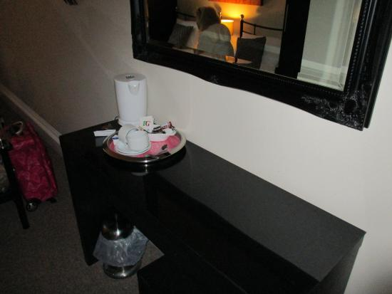 Somerton Lodge Hotel Photo