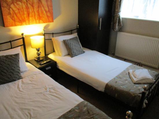 소머톤 로지 호텔