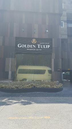 Golden Tulip Mandison Suites: 20160406_132014_large.jpg
