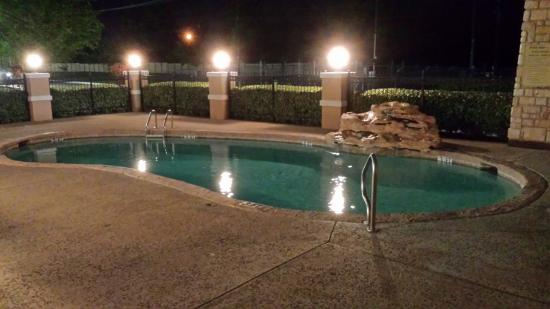 Forney, TX: Outdoor Swimming Pool