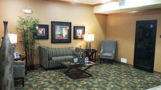 BEST WESTERN PLUS Christopher Inn & Suites: Hotel Lobby