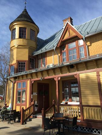Framby Udde: Restaurangen ligger i ett vackert hus vid Runns strand