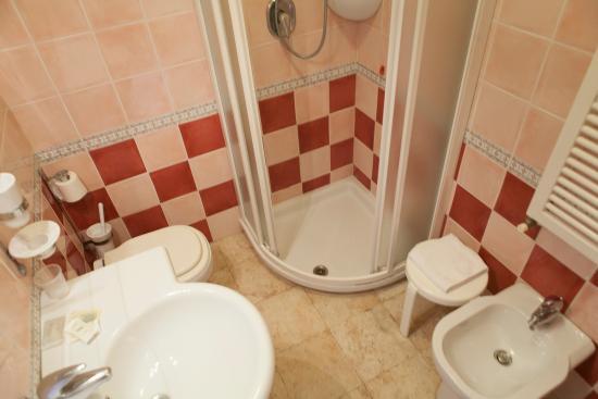 Hotel Villa Elda: Bagno Camera Comfort