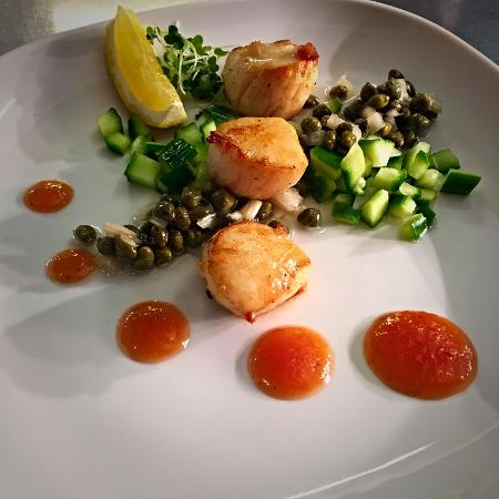 4th Wall Restaurant : Seared Scallops