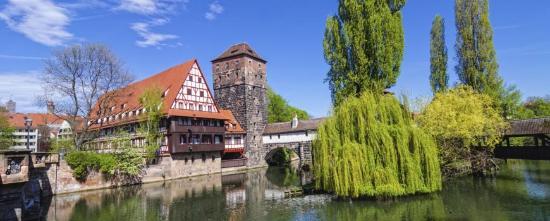 NH Forsthaus Fürth Nürnberg: Nürnberg, Hangman Bridge