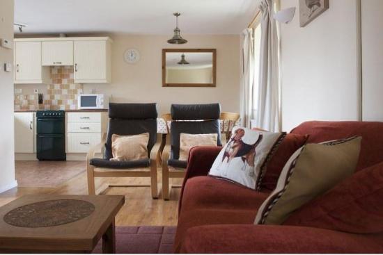Blessingbourne Apartments: Laurel Living room
