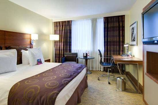Crowne Plaza Amsterdam City Centre: Superior room with double bed