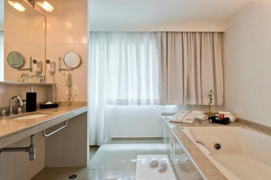 Suite  banheiro com banheira  Foto de Meliá Ibirapuera, São Paulo  TripAdv -> Banheiro De Hotel Com Banheira