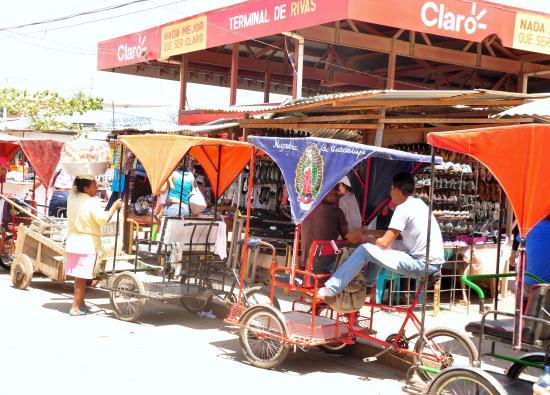 San Juan del Sur, Nicaragua: Terminal de Rivas a donde fuimos en autobus local.Fantastico