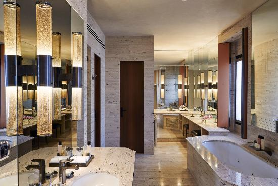 Park Hyatt Milan: Presidential Suite_bathroom