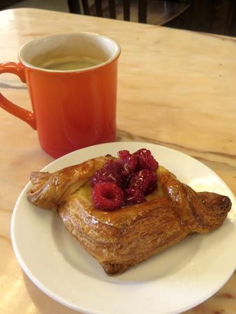 Pemberton, Canadá: Raspberry cream cheese danish
