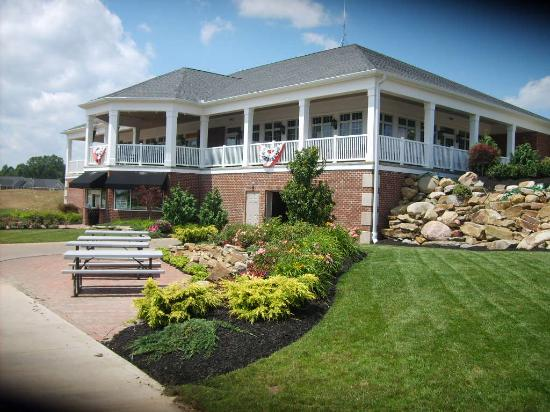 Canfield, OH: Kennsington Grille & Clubhouse