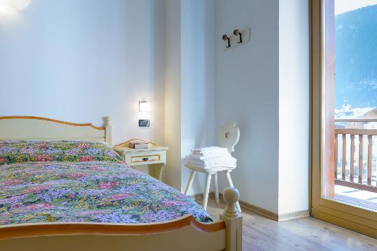 Hotel La Nuova Montanina: Camera doppia con balcone
