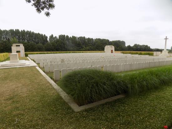 La Neuville British Cemetery, Corbie