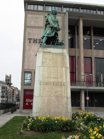 ‪Statue of Pierre Corneille‬