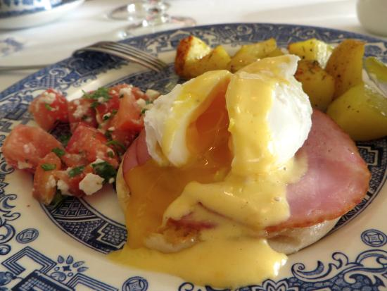 Inn on the River: Eggs benedict