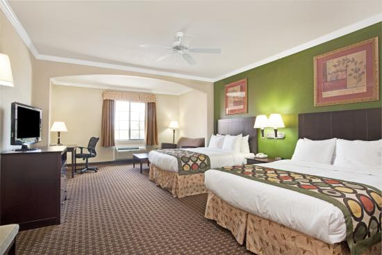 Super 8 Iah West/Greenspoint: Two Queen Suite