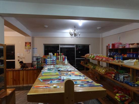 Phendey Gakhil Lodge: shop