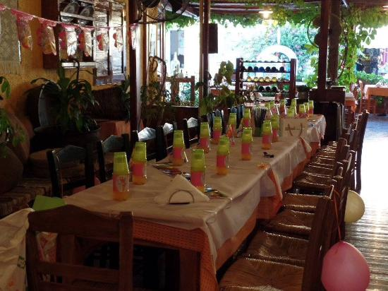 Dionysos Restaurant : Kinderfeestje kan ook. Even they can arrange a birthday party for your child!