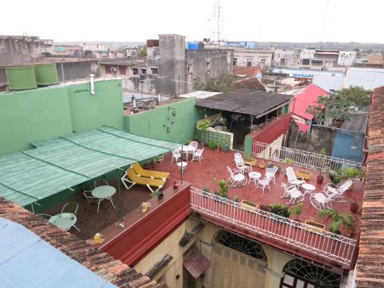 Hostal Alma: Blick von der einen auf die andere Dachterrasse
