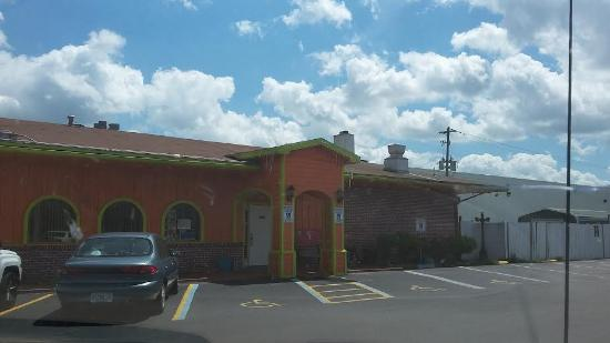 El Potro Mexican Restaurant: Exterior view