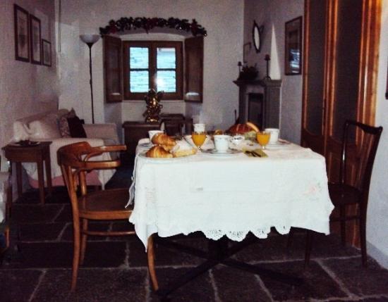 terrazzo coperto - Picture of B&B Centro Storico Chiavenna ...