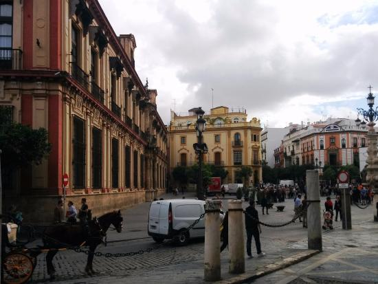Hist ricas calles y edificios con elegante arquitectura - Arquitectura sevilla ...