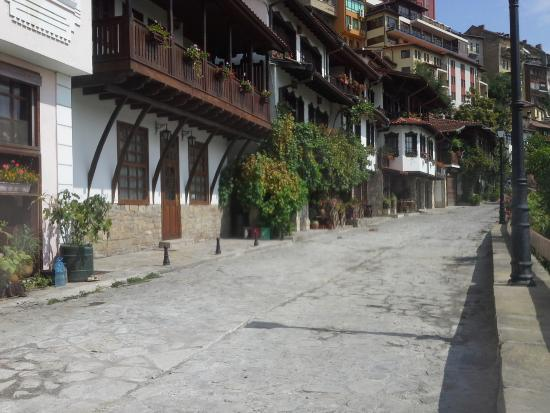 Hotel Gurko: Stone paved lane and front of Gurko